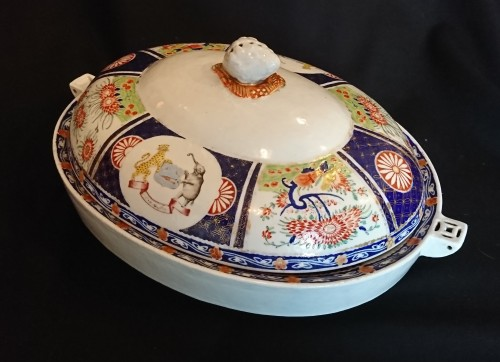 19th century - A large Chinese export covered heating dish, circa 1820