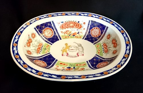 Porcelain & Faience  - A large Chinese export oval dish, circa 1820, East India Company
