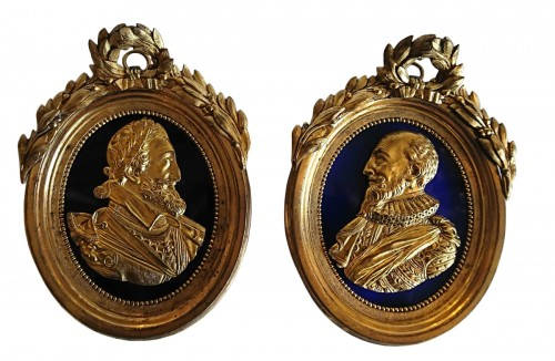 Henri IV and Sully : pair of French oval gilt bronze medallions, circa 1780