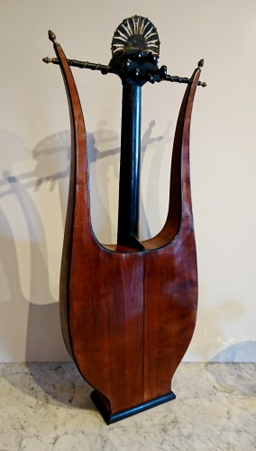 19th century - A French Consulate period lyre guitare attributed to Mareschal