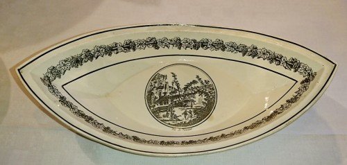 19th century - A composite set of 229 Creil faience fine pieces, Stone Coquerel & Legros