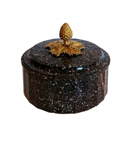 A Swedish Blyberg porphyry covered box with ormolu pine cone, circa 1800-10