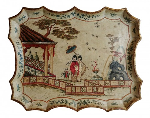 A Venetian baroque lacquered tray with Chinese decoration