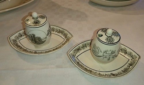 Restauration - Charles X - A composite set of 229 Creil faience fine pieces with black engraved decor