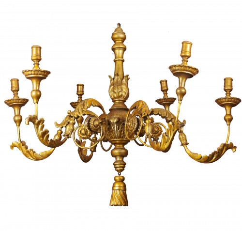 An Italian gilt wood chandelier of large dimension