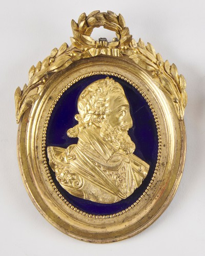 A pair of 18th century ormolu medallions of Henry IV  and Sully - Decorative Objects Style Louis XVI