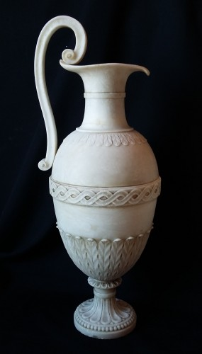 Decorative Objects  - A pair of French Directoire alabaster amphorae
