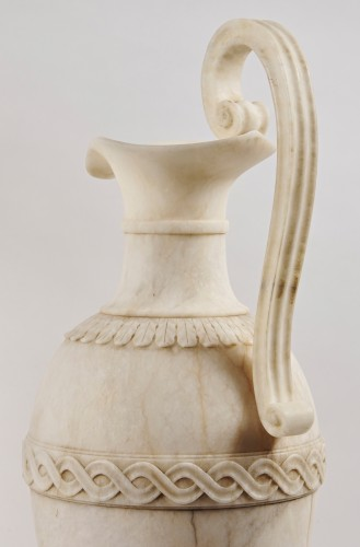 19th century - A pair of French Directoire alabaster amphorae