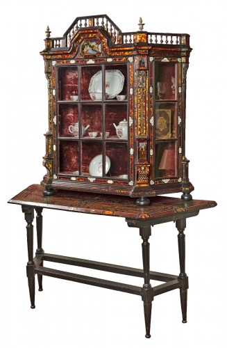 Large Flemish baroque walnut and tortoiseshel showcase, c. 1650