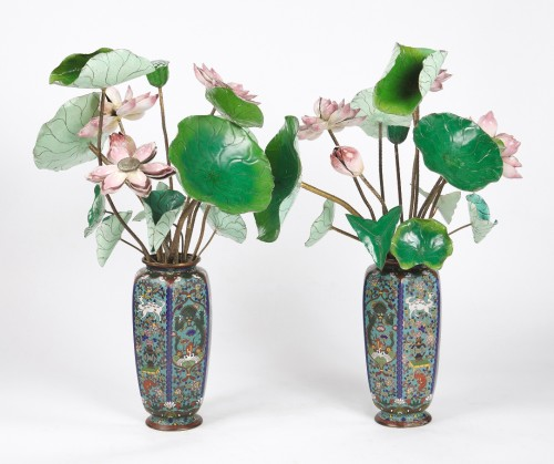 Asian Art & Antiques  - Two bouquets of 19th century water lilies in Canton enamel