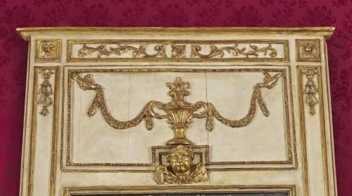 A large Italian neoclassical trumeau circa 1780 - Mirrors, Trumeau Style