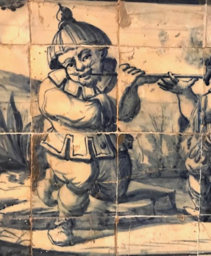 A Portuguese azulejo panel with children or dwarfs 18th century - Porcelain & Faience Style