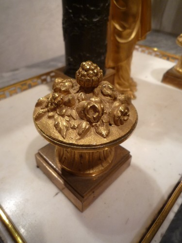 - A French Directoire marble and ormolu desk inkwell