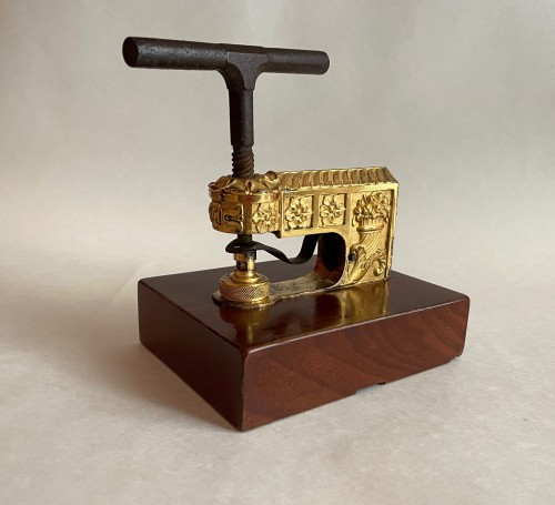 A French Empire ormolu and mahogany seal press - Curiosities Style