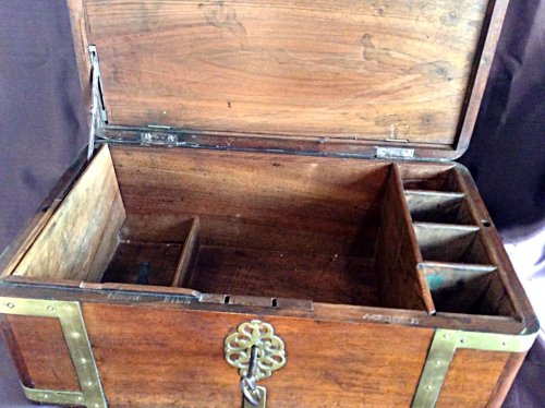 Large box with secret drawers by Jean-François Hache - Furniture Style Louis XVI