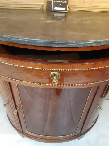 18th century - Mahogany in-between cabinet stamped F. SCHEY
