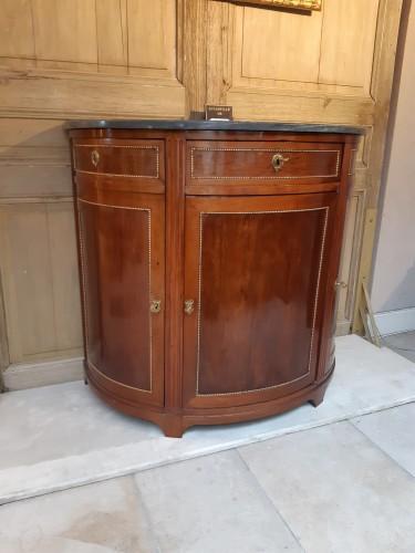 Antiquités - Mahogany in-between cabinet stamped F. SCHEY