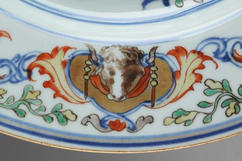 China Exportware - Dish with the coats of arms of the ATAIDE familly - Porcelain & Faience Style
