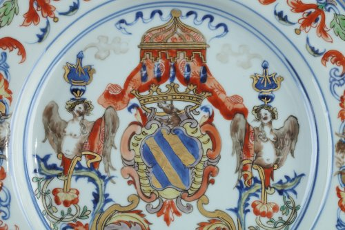 Porcelain & Faience  - China Exportware - Dish with the coats of arms of the ATAIDE familly