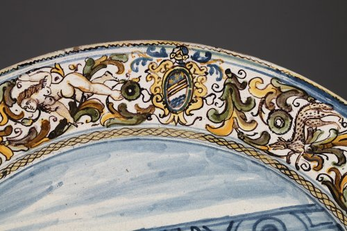 Large faïence dish Italy, Castelli, rancesco GRUE studio. 17th century - Porcelain & Faience Style