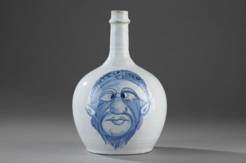Porcelain & Faience  - Napoli (Italy) A faience bottle, end of 17th, begining of 18th century