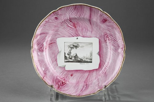 "Porcelain & Faience  - Niderviller - Faïence plate decorated in ""trompe l'oeil"", dated 1774"