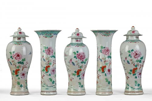 CHINA : Garniture comprising five pieces, Qianlong period 1736 - 1795