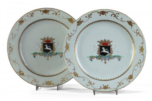 Pair of porcelain armorial dish, China circa 1745