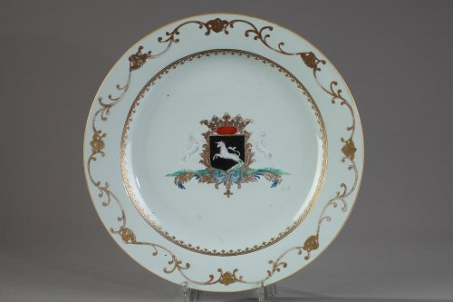 Porcelain & Faience  - Pair of porcelain armorial dish, China circa 1745