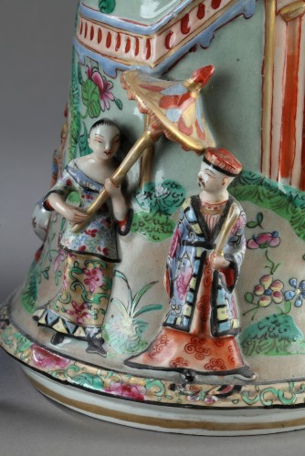 Antiquités - Paire of Bayeux vases, 19th century.