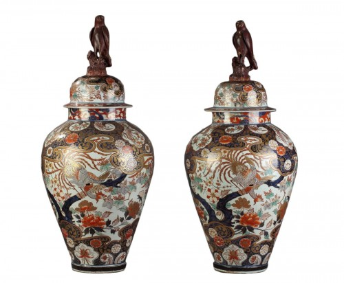 Pair of Imari jars and covers, Japan circa 1680