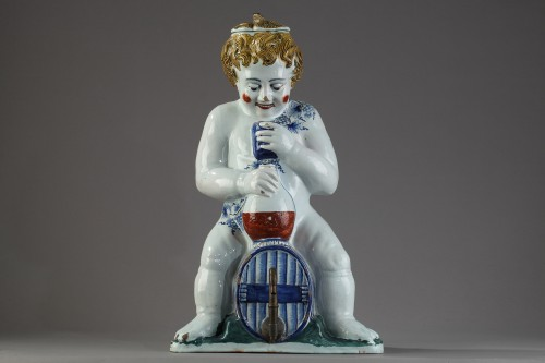 Lille, large faience fountain, 18th century - Porcelain & Faience Style