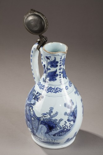 Earthernware jug and its cover, Delft 17th century -