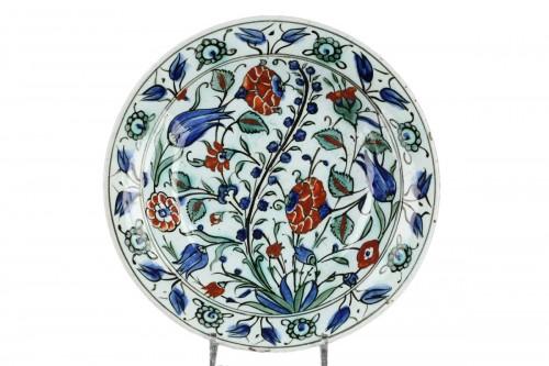 Isnik dish, circa 1590 - 1600