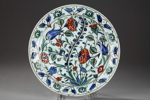 Porcelain & Faience  - Isnik dish, circa 1590 - 1600