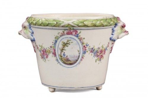 BOURG LA REINE : Soft paste Flowerpot. Mid 18th century.