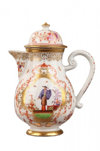 "China Exportware Ewer decorated in ""Chinoiserie style"" 18th century"