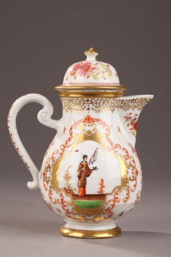 "Porcelain & Faience  - China Exportware Ewer decorated in ""Chinoiserie style"" 18th century"