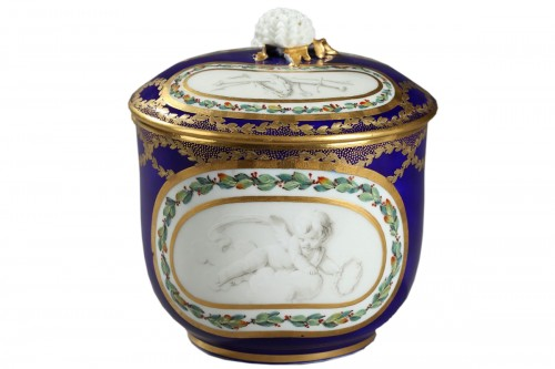 Sèvres Soft paste sugar bowl and cover circa 1770