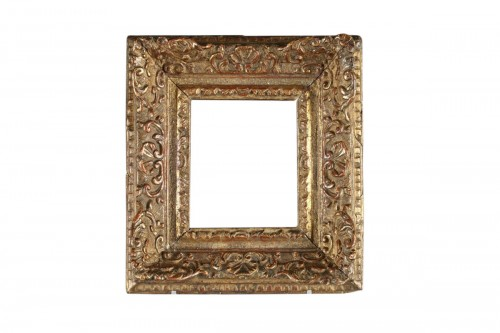 Carved giltd oak wood frame, France 18th centuryA