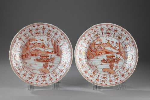 Two dishes decorated in rouge de fer. China Kangxi (1662 - 1722) -