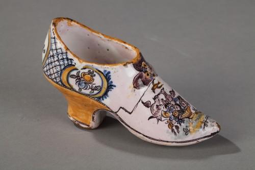 Porcelain & Faience  - FranceSouth Ouest (Negrepelisse?)  - Faience Masonique shoe, circa 1776