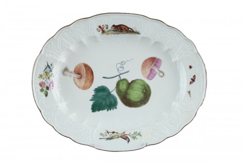 MEISSEN : Porcelain dish circa 1750.