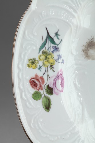 MEISSEN : Porcelain dish circa 1750. -