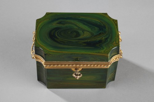 Lythialine casquet, Bohêmia, circa 1830 - Objects of Vertu Style