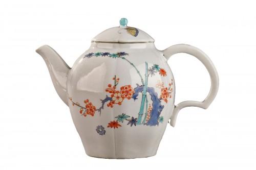 Chantilly Kakiemon pattern circa 1735 - 1740.
