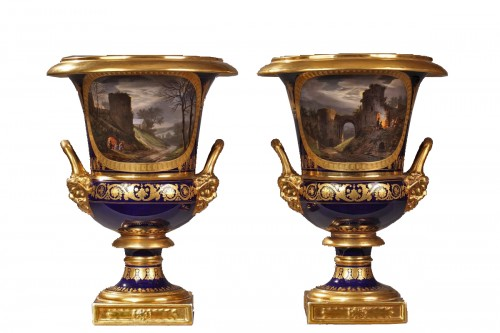 Pair of Medici porcelain vases - Paris Manufacture of Darte, early 19th century