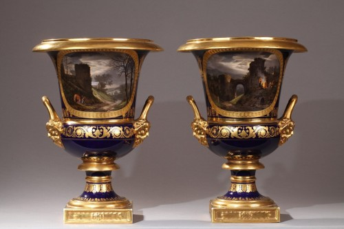 Antiquités - Pair of Medici porcelain vases - Paris Manufacture of Darte, early 19th century