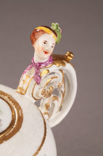 Teapot, porcelain of Meissen shaded period 1740 - 1745 - Porcelain & Faience Style