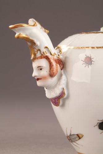 Teapot, porcelain of Meissen shaded period 1740 - 1745 -